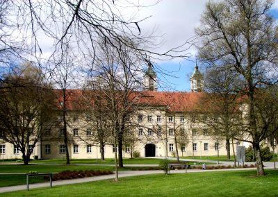 Ravensburg_Kloster_Weissenau_Konvent_von_Osten